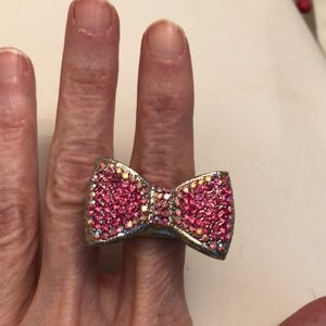 Gorgeous pink bow ring💞